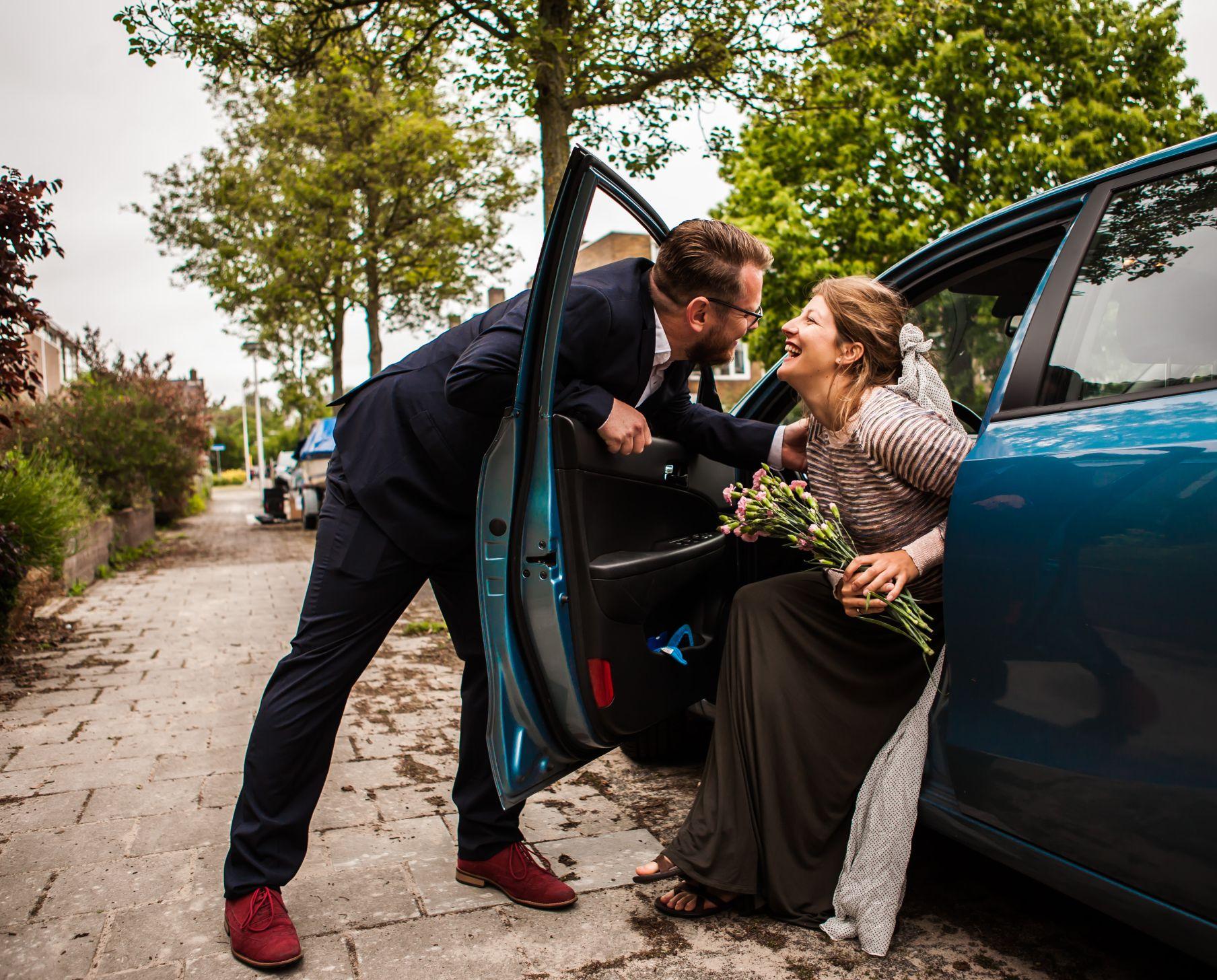Tomwinters fotografie trouwen bij de auto