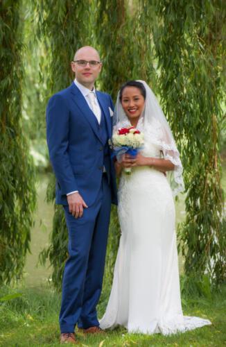 Bruidstel onder bomen