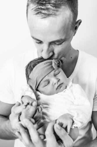 Man met baby